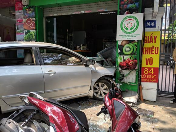 tai nạn giao thông, Hà nội, nữ tài xế, Lò Đúc