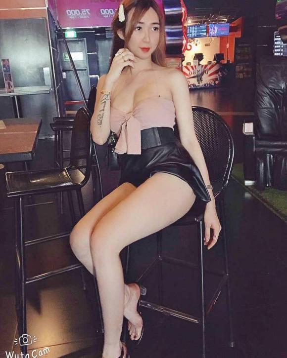 hot girl chuyển giới, chuyển giới, phẫu thuật thẩm mỹ
