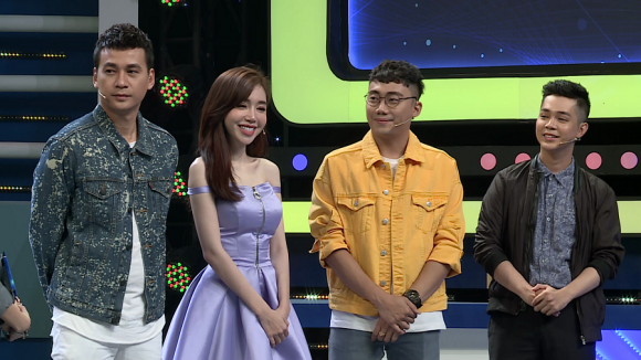 Úm ba la ra chữ gì?, Elly Trần, Tuấn Kiệt, Gino Tống