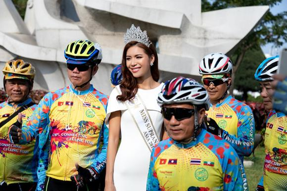 Minh Tú làm đại sứ hành trình đạp xe kết nối hành lang kinh tế Đông tây