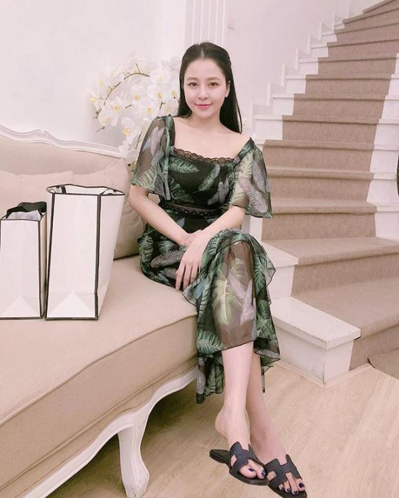hot girl Trâm Anh, clip Trâm Anh, đồ hiệu của hot girl Trâm Anh