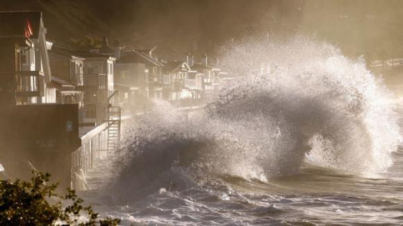 năm nóng kỷ lục trong lịch sử, Siêu bão khó lường, hạn hán, sóng nhiệt
