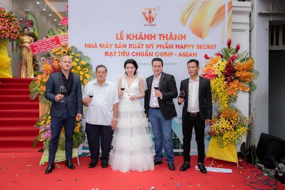 Nhà máy sản xuất mỹ phẩm Happy Secret, CEO Cao Thị Thùy Dung, mỹ phẩm Top White