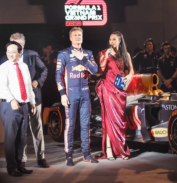 Siêu mẫu phương mai,tay đua huyền thoại David Coulthard,sao việt