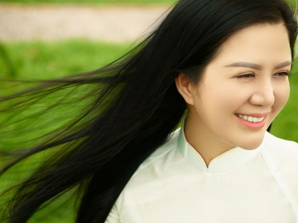 Ca sĩ Đinh Hiền Anh, sao việt