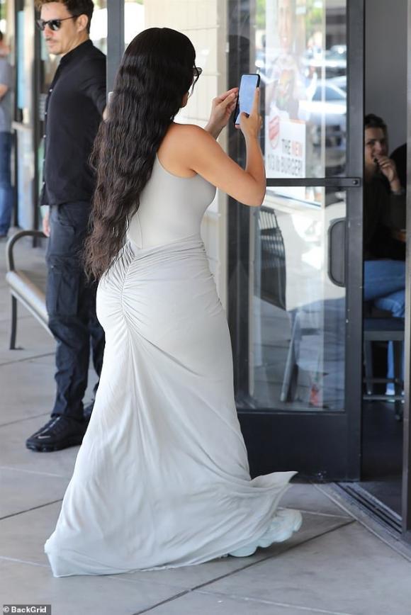 Kim Kardashian,Kim Kardashian thả rông,sao Hollywood