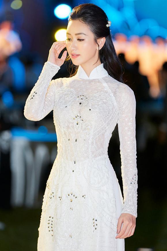 """Suy ngẫm trước quan điểm """"chuẩn không cần chỉnh"""" của Á hậu Hà Thu về nghề ca sĩ"""
