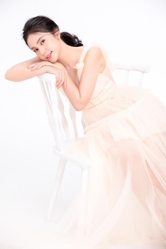 Nữ hoàng ảnh lịch việt trinh,diễn viên việt trinh,việt trinh trẻ đẹp ở tuổi 47,sao việt