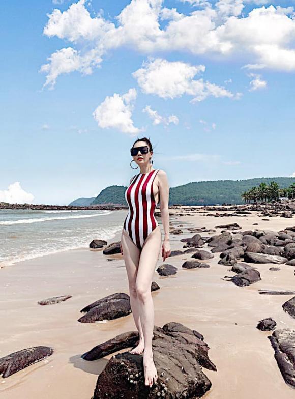Quế Vân,Quế Vân diện bikini,sao Việt