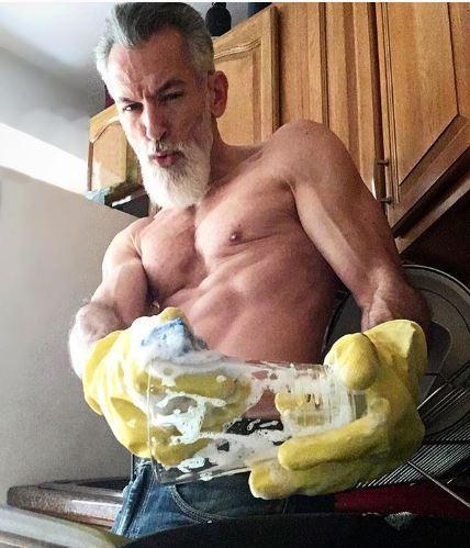 việc nhà, cách kéo dài tuổi thọ, làm việc nhà giúp kéo dài tuổi thọ