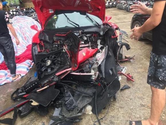 Ca sĩ tuấn hưng,siêu xe của tuấn hưng,siêu xe tuấn hưng gặp tai nạn
