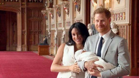 công nương meghan markle, hoàng tử harry, hoàng gia anh,  Archie