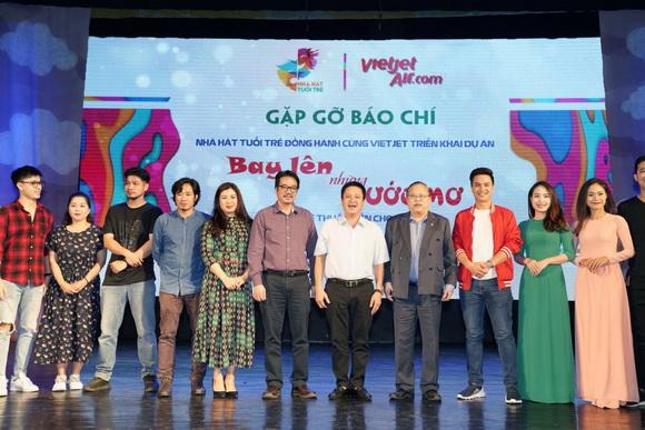 Nhà hát Tuổi trẻ, VietJet, Bay lên những ước mơ