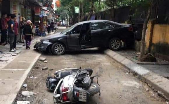 xe Camry đi lùi tông chết người phụ nữ, tai nạn giao thông, Tai nạn chết người