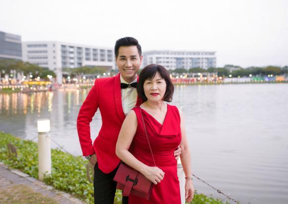 Nguyên Khang, MC Nguyên Khang, mẹ MC Nguyên Khang, sao Việt