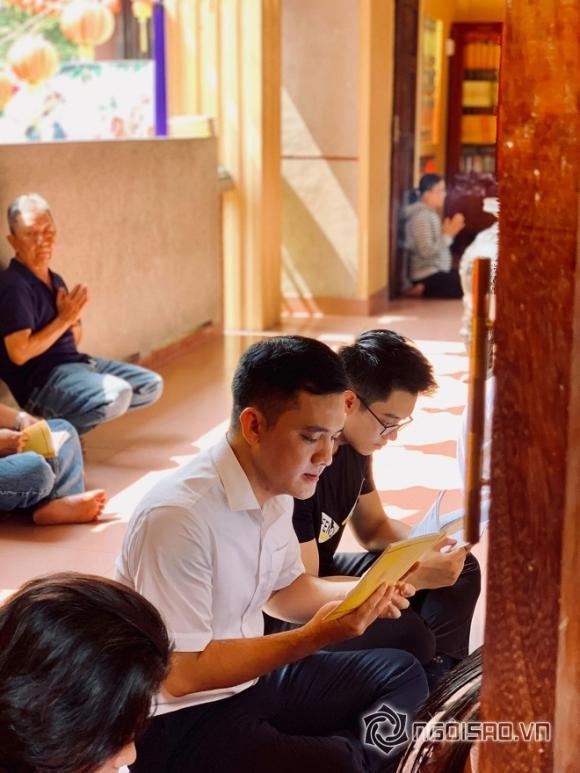 NSND Hồng Vân, nghệ sĩ Anh Vũ, lễ 49 ngày của cố nghệ sĩ Anh Vũ, bố nghệ sĩ Anh Vũ