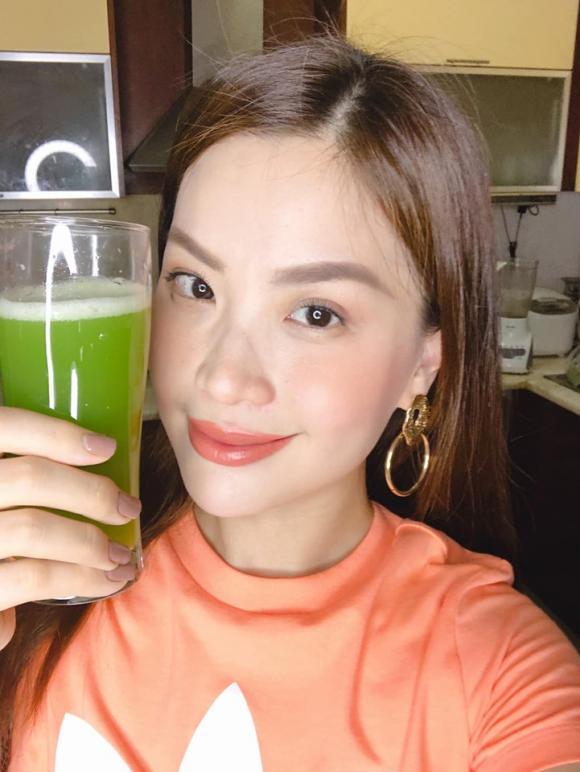 Á hậu Diễm Trang, cách giảm cân, uống nước cần tây, tác dụng của nước cần tây