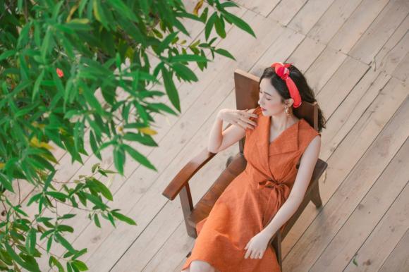 á hậu Hà Thu, sao Việt
