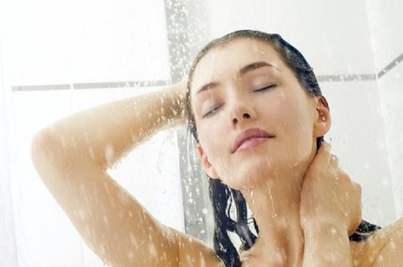 Tắm vào mùa hè, Tắm khi trời nắng nóng, Thời điểm không nên tắm