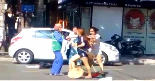 nữ lao công, Quảng Trị, shop thời trang, xả rác