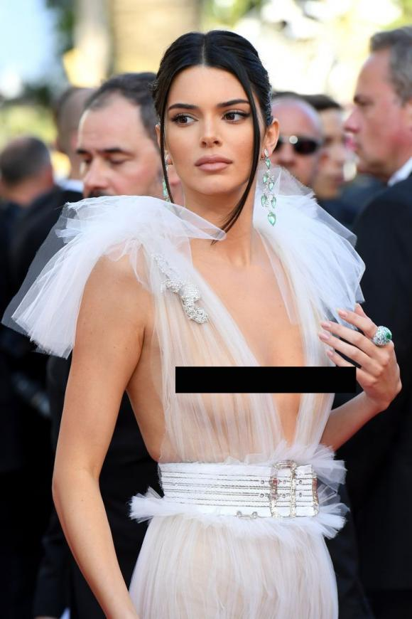 Kendall Jenner,sao Hoa ngữ,LHP Cannes,Bella Hadid,Ngọc Trinh,Ngọc Trinh gây sốc ở LHP Cannes
