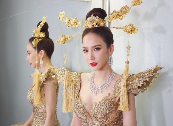 Chompoo Araya,Ploy Chermarn,Mai Davika Hoorne,Yaya Urassaya,sao Thái Lan