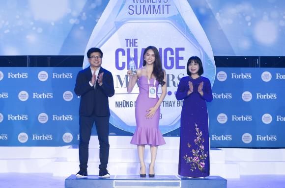 nữ ca sĩ Hương Giang Idol, hoa hậu chuyển giới quốc tế, sao Việt