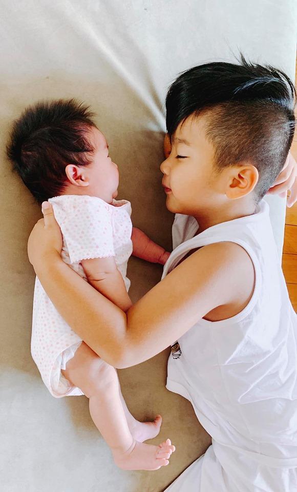 Đỗ Mạnh Cường, con gái Đỗ Mạnh Cường, Đỗ Mạnh Cường đầy tháng con, Đỗ Mạnh Cường nhận con nuôi