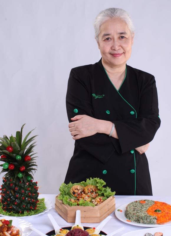 Phương Thanh, Cẩm Vân, Cẩm Vân xuống tóc, chuyên gia ẩm thực Cẩm Vân xuống tóc