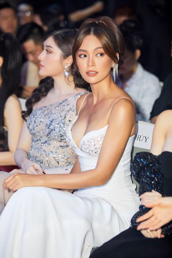 á hậu Mâu Thuỷ, sao Việt