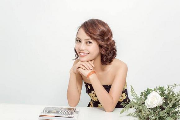 Cô gái xấu xúc phạm người nhìn, Phạm Duyên, Mạng xã hội, Phẫu thuật thẩm mỹ