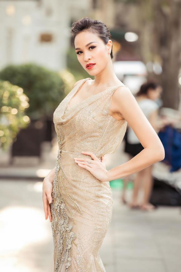 siêu mẫu Phương Mai, sao Việt