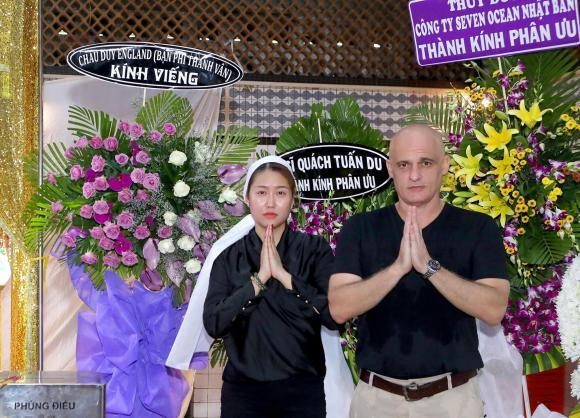 phi thanh vân,Người mẫu phi thanh vân, chồng Tây , sao Việt, viếng bố vợ