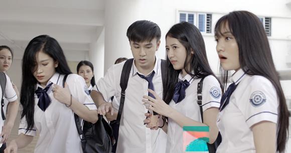 'Nóng bỏng tay' với loạt ảnh hậu trường của Lớp học siêu quậy khi chưa lên sóng (Bài lên Xahoi.com.vn)