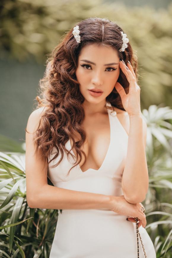 ca sĩ Phương Trinh Jolie, sao Việt