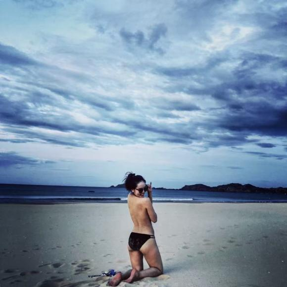 ca sĩ Phương Linh, Phương Linh diện bikini, sao Việt