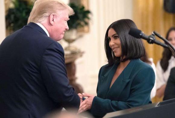 kim kardashian, nhà trắng, túi xách hàng hiệu, sao hollywood