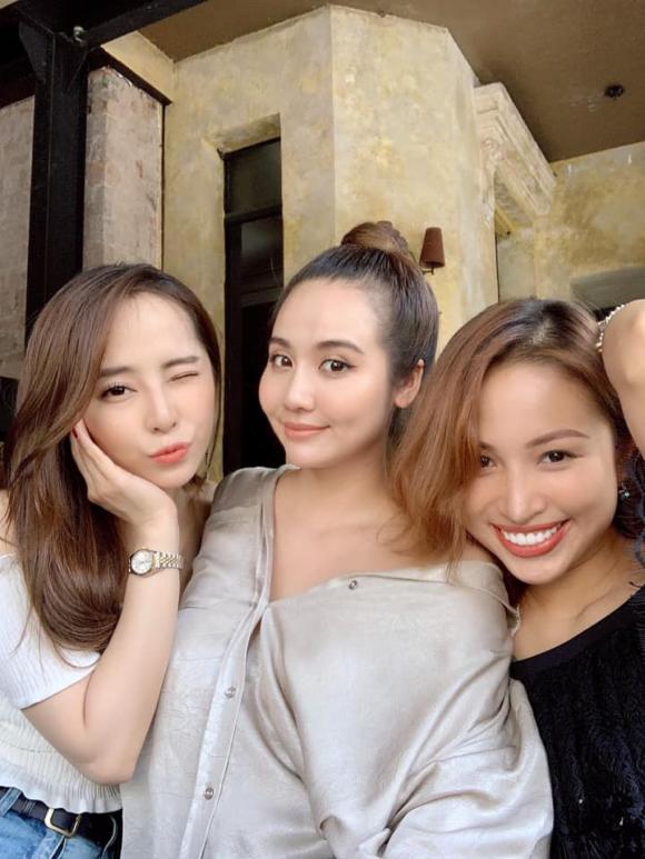 Quỳnh Nga, hotgirl Huyền Lizzie, MC Vân Hugo, sao Việt