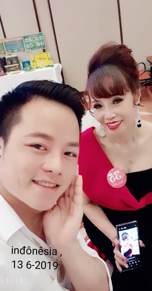 Cô dâu 62 tuổi, Thu Sao, Mạng xã hội