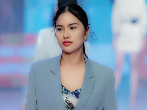 gái quê Lê Phương, sao việt
