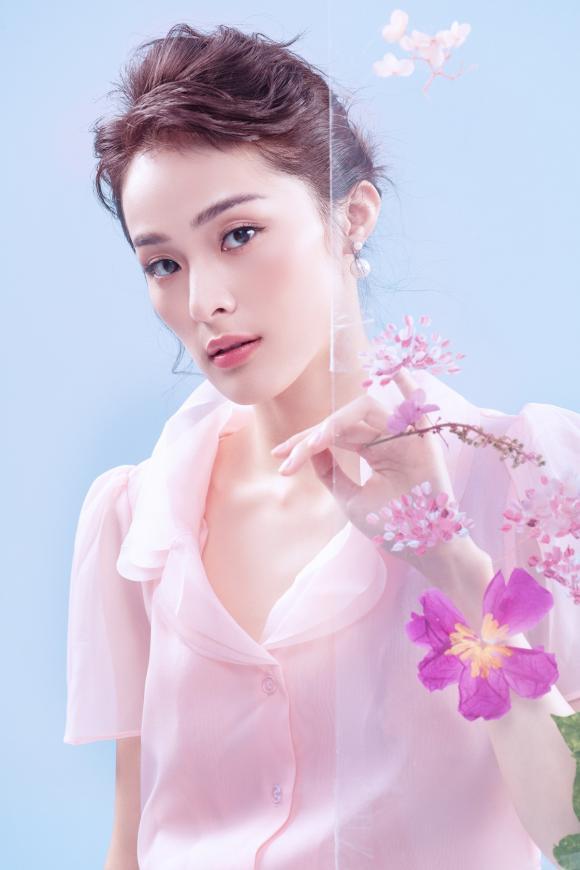 hotgirl vạn người mê, Hạ Vi, sao Việt