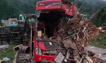 tai nạn giao thông thảm khốc ở Hòa Bình, xe khách đối đầu xe tai, tai nạn 41 người thương vong
