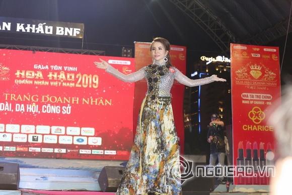 """Á hậu Phan Phương đoạt """"cú đúp"""" ngoạn mục tỏa sáng về tài năng và trí tuệ"""