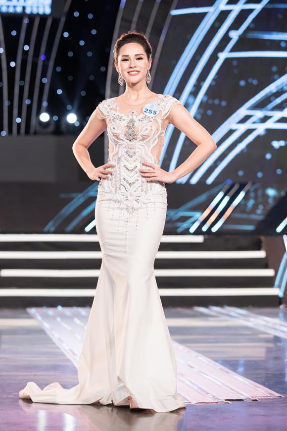 Bạn gái trọng đại,nguyễn huyền trang,Miss World Việt Nam