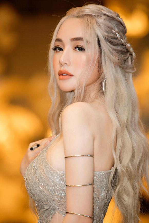 Diễn viên Elly Trần,kiện tướng dancesport Khánh Thi,vu cong phan hien, sao Việt