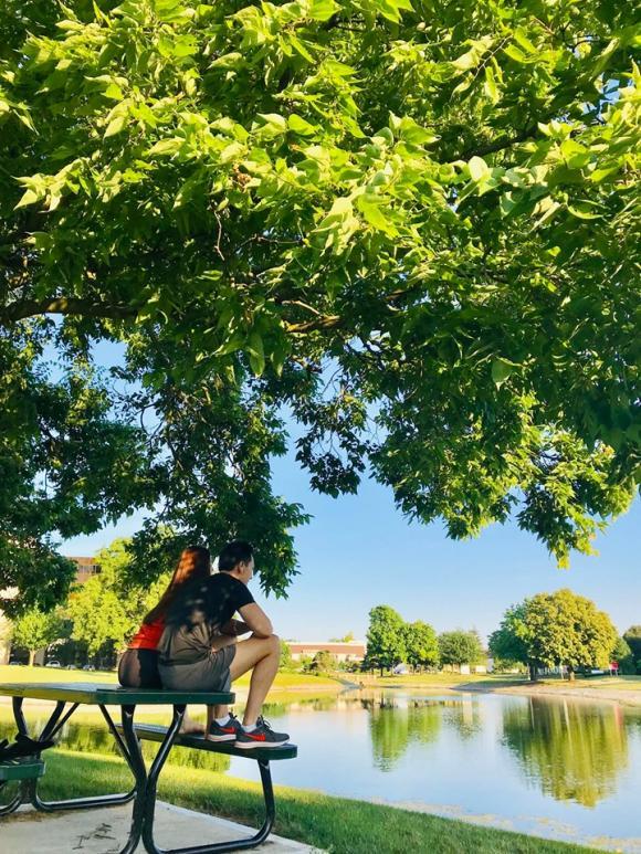 Hồ Ngọc Hà và Kim Lý, Hồ Ngọc Hà và Kim Lý đi du lịch, Hồ Ngọc Hà, Kim Lý, Hồ Ngọc Hà thiếu ý thức nơi công cộng