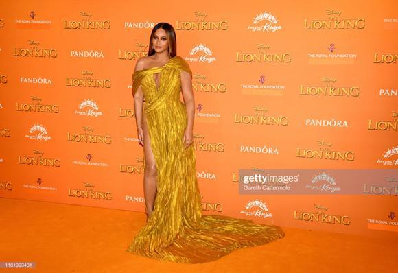 NTK Công Trí, ca sĩ Beyonce, sao Việt