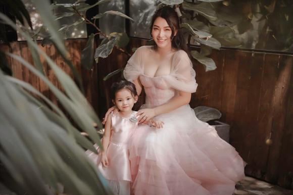 Hải Băng, Hải Băng và con gái, bộ ảnh mới Hải Băng, Hải Băng và Thành Đạt
