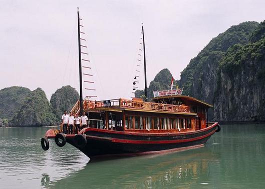 tàu du lịch, du lịch hạ long, du lịch quảng ninh, vịnh hạ long