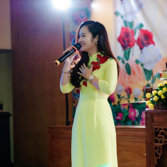 Minh Hiền, ca sĩ Minh Hiền, Minh Hiền chữa bệnh cho con, sao việt ủng hộ Minh Hiền